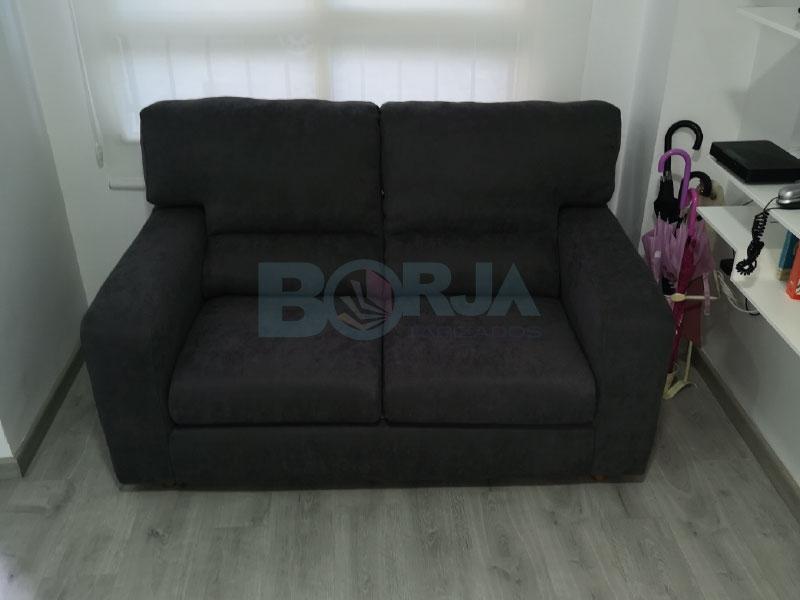 Tapizado de conjunto de sofás tres por dos en Sueca